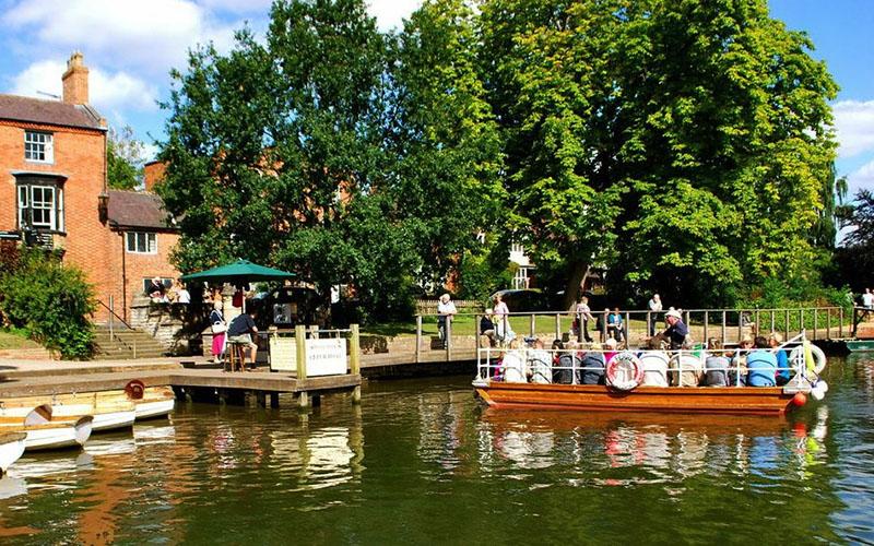 Avon Boating cruise departing from Bancroft Gardens