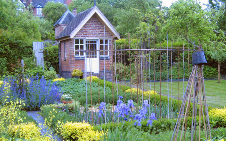 Hill Close Victorian Gardens in Warwick