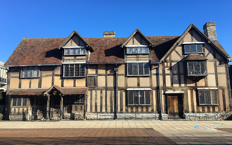 Outside Shakespeare's Birthplace in Shakespeare's England