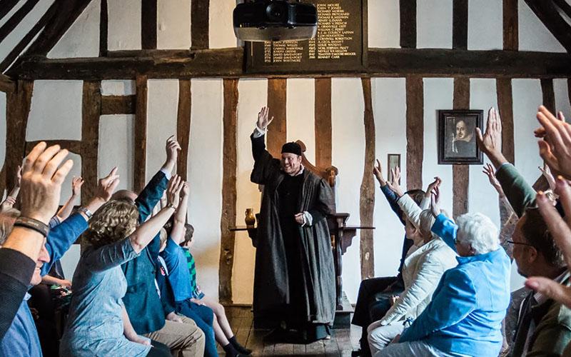 Shakespeares Schoolroom Guildhall 1