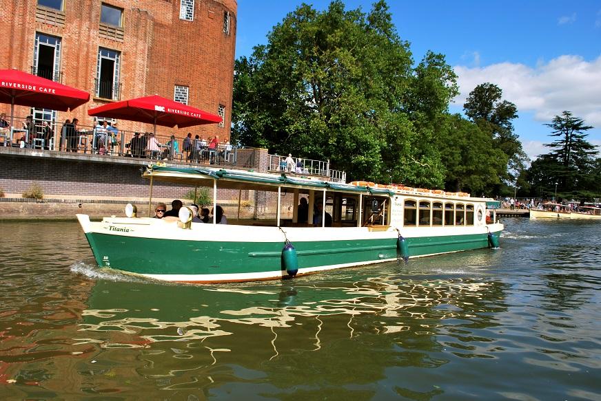 Titania Avon Boating