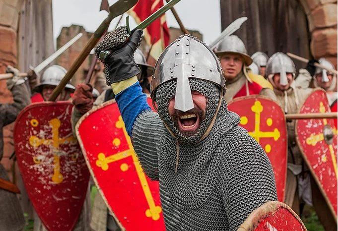 The Battle of Kenilworth Castle. Summer fun in Warwickshire